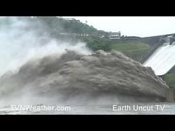 Zrzut wody - zapora Shimen