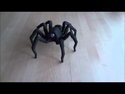 Robot-pająk tańczy rumbę