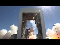 Kapitalne ujęcia startu rakiety Delta IV Heavy