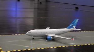 Latający model Airbusa A310