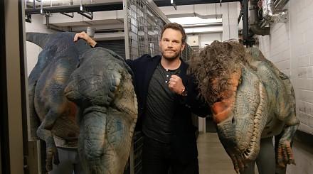 """Twardziel Chris Pratt po """"ataku"""" dinozaurów przerażony jak dziecko"""