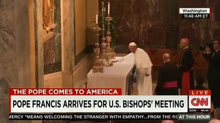 Papież Franciszek zaskakuje wszystkich sztuczką