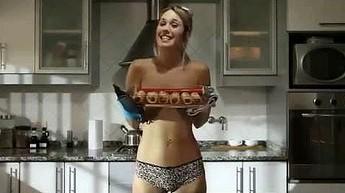 Naked Chef - program kulinarny robiący furorę!