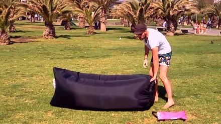 Lamzac Hangout - błyskawicznie dmuchany mebel do leżenia w plenerze