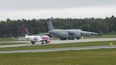 C5 GALAXY - start wielkiego samolotu z lotniska w Gdańsku