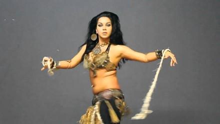 Diana Bastet - metalowy taniec brzucha