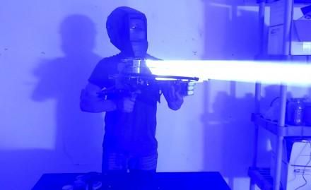 Pistolet laserowy własnej produkcji