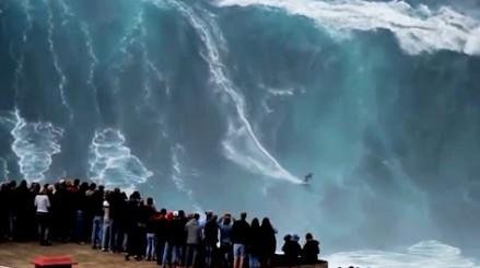 Surfowanie na najwyższej w historii fali