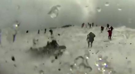 Wielki wybuch Etny, który zaskoczył turystów i ekipę BBC