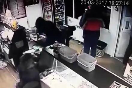 Napad na sklep i niesamowite zachowanie klienta