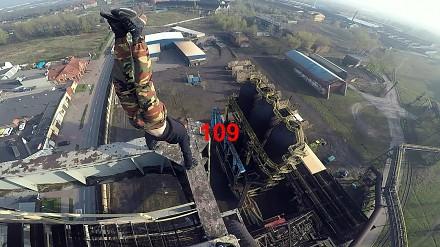 BNT wspina się na wielki piec gdzieś w Rudzie Śląskiej