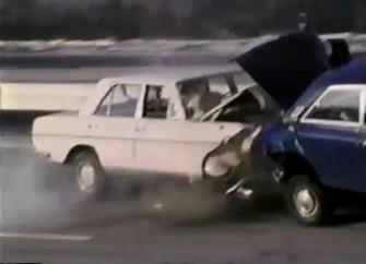 Szokujący archiwalny test zderzeniowy z żywym kierowcą zamiast manekina