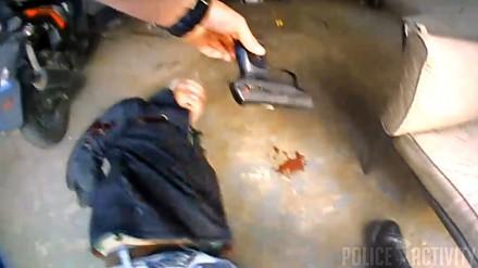 Policyjna kamera rejestruje zatrzymanie z użyciem broni