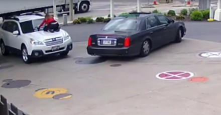 Kobieta wskoczyła na maskę auta i powstrzymała złodzieja