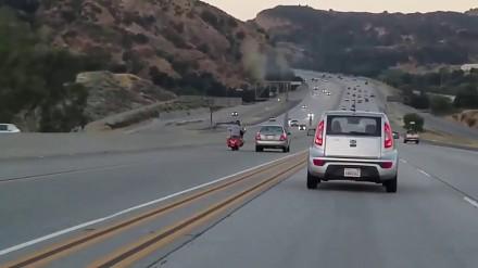 Drogowa agresja i karambol na autostradzie