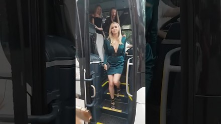 Autokar pełen pięknych kobiet