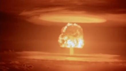 """""""Próbna"""" eksplozja termojądrowa przeprowadzona 1 marca 1954 na atolu Bikini"""