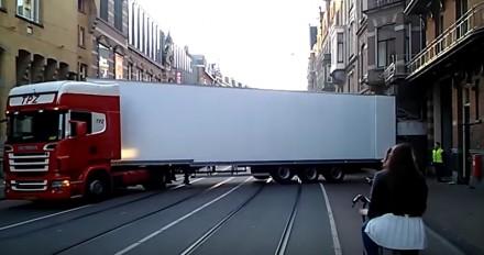 Niesamowity kierowca ciężarówki