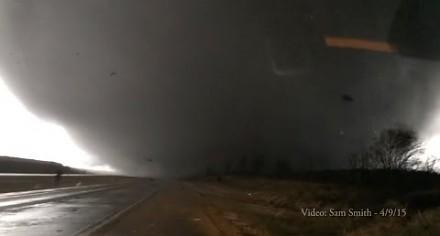 Ups! To tornado jednak idzie w moją stronę...