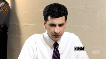 Reporter z autyzmem przeprowadza wywiad z więźniem