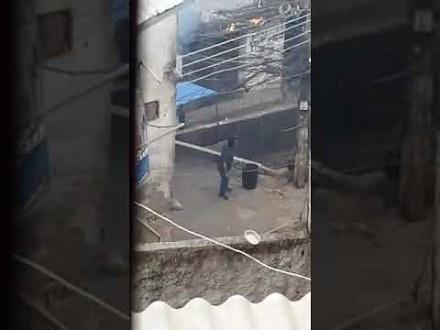 Starcie gangów narkotykowych z wojskiem i policją w brazylijskiej faweli