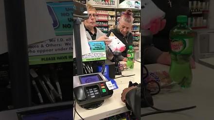 Specyficzna obsługa w amerykańskim sklepie