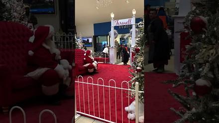 Święty Mikołaj zdemaskowany przez wkurzoną kobietę