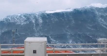 Potężne fale na Morzu Północnym