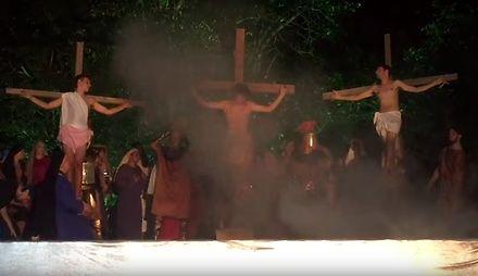 Wierny atakuje aktora podczas inscenizacji ukrzyżowania Chrystusa