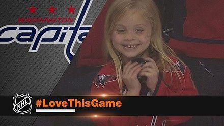 Mała fanka hokeja bardzo chciała mieć krążek