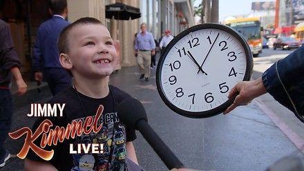 Szkoły usuwają tradycyjne zegary, ponieważ uczniowie nie potrafią z nich odczytać godzin