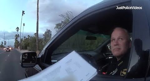 Policjant z Arizony zatrzymuje do kontroli swojego szefa